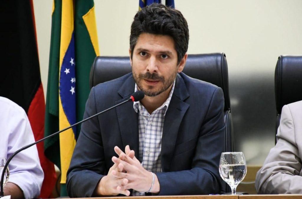 Professor Carlos Enrique  sobre a Paraíba enquanto destaque nacional em educação superior, ciência e tecnologia, em 2019